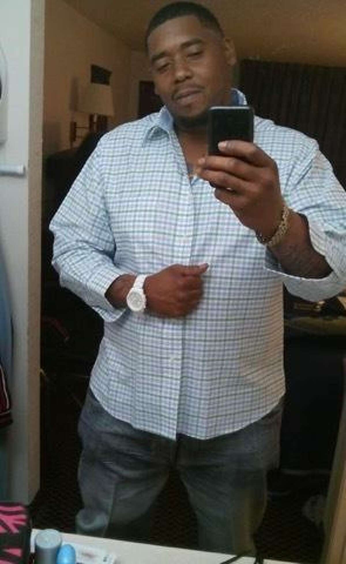 Dontriel Jovan Coates, 37, died July 14 at Bayside Community Hospital after suffering from a medical emergency in the Chambers County Jail. His family is seeking answers and justice in the unexpected death of the father of two young children. Photos courtesy of his mother, Cherrie Coates.
