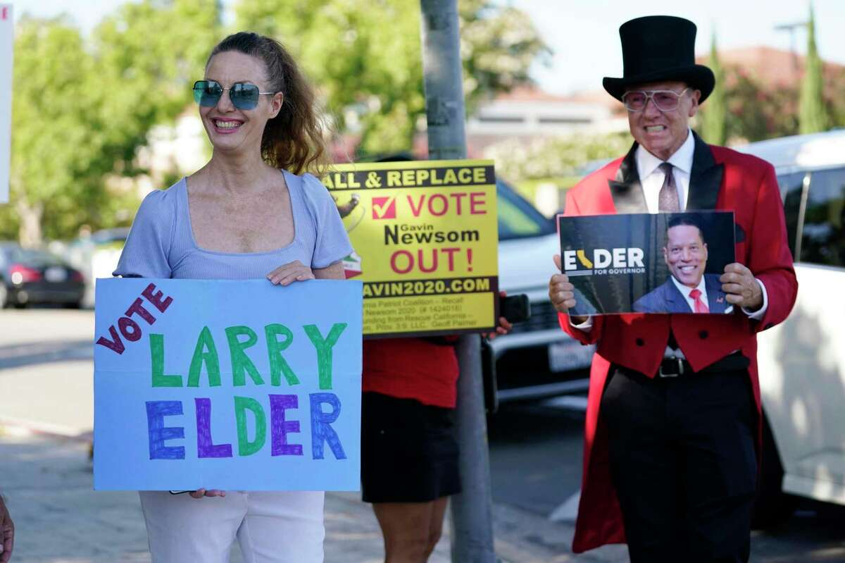 Recall supporters outside a debate at the Richard Nixon Presidential Library in Orange County on Wednesday.