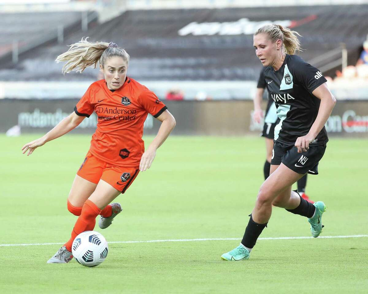 The Dash and midfielder Brianna Visalli, attacking against NY/NJ Gotham FC last week, took a slight break from the heat in workouts this week in advance of trip to Tacoma, Wash., to face the OL Reign.