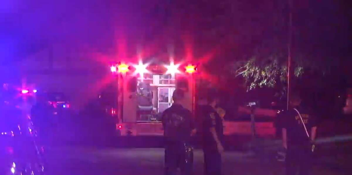 An early Saturday morning double shooting in northwest Houston left one man dead and sent a woman to the hospital in stable condition, police said.