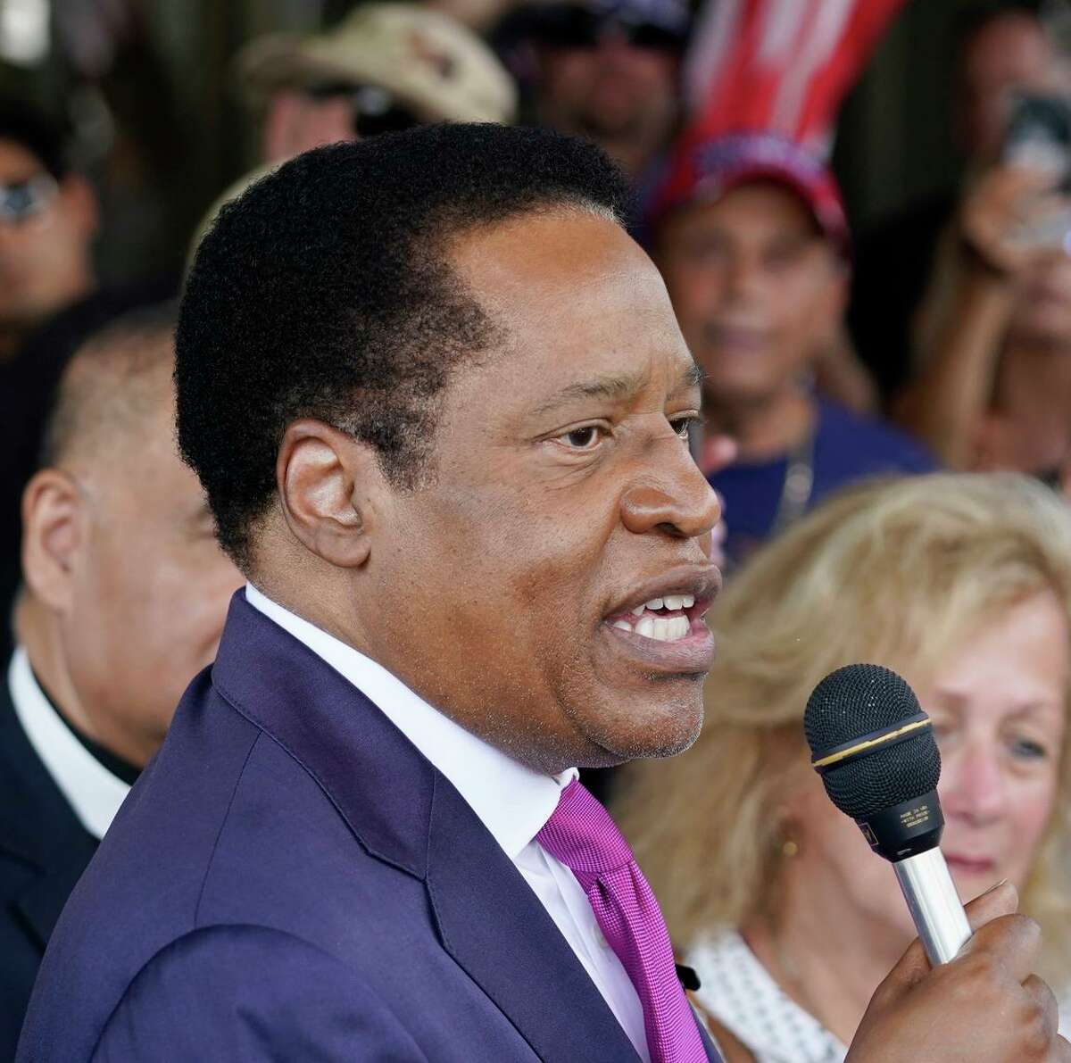 Conservative radio talk show host Larry Elder is polling at the top of the pack among the Republican candidates challenging Gov. Gavin Newsom in the Sept. 14 recall election.