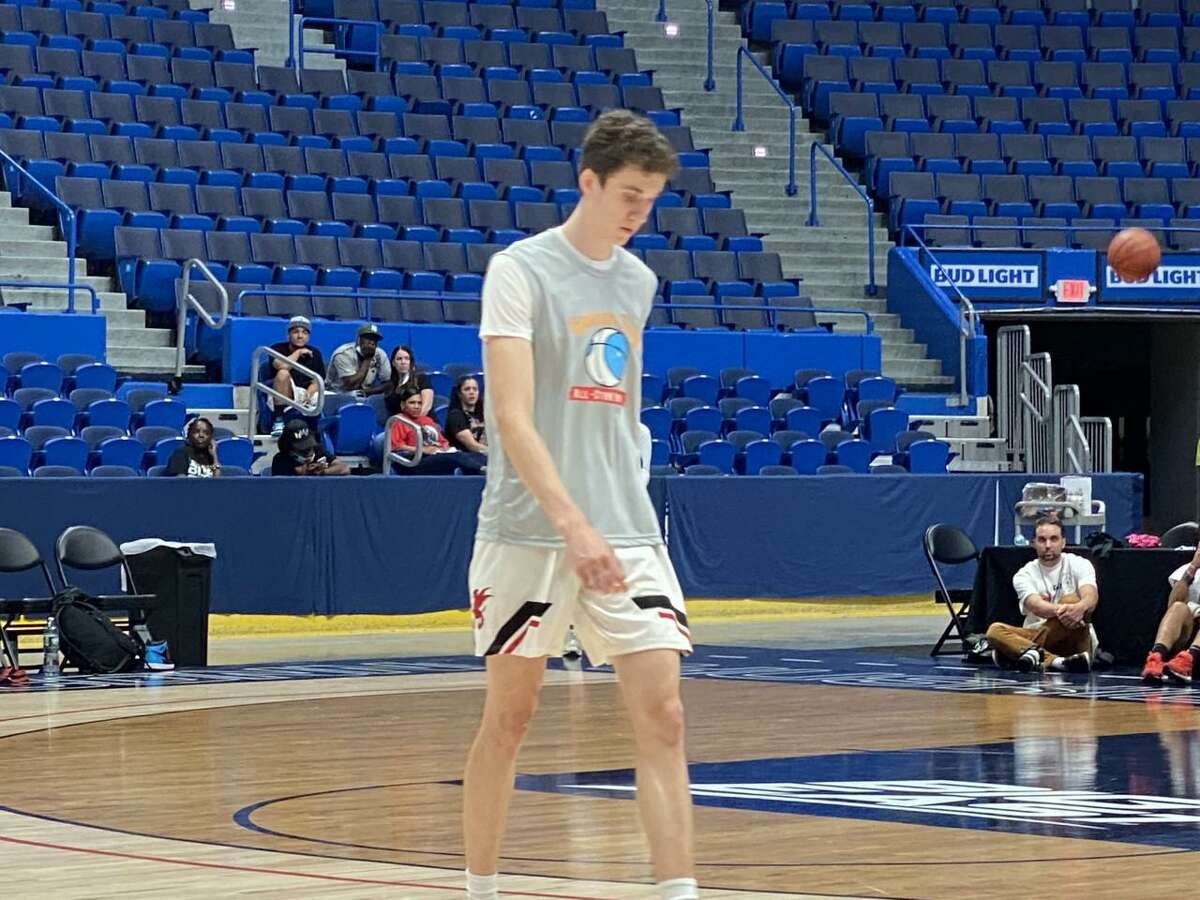 Gavin Griffiths, a 6-7 shooting guard from Simsbury who plays at Kingswood-Oxford, recently completed an unofficial visit to UConn's campus.