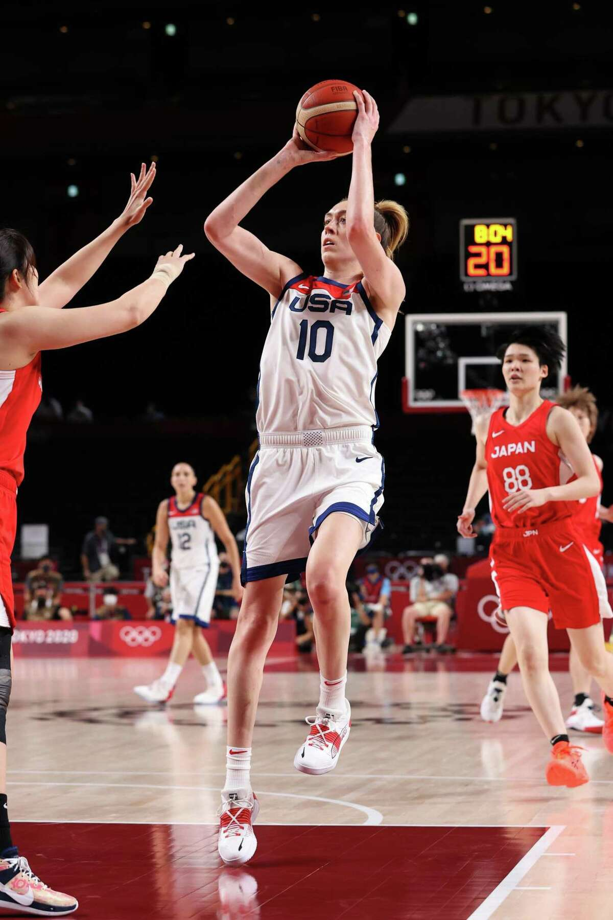 SAITAMA, JAPAN - AUGUST 08: Breanna Stewart #10 of Team United States shoots against Team Japan during the first half of the Women's Basketball final game on day sixteen of the 2020 Tokyo Olympic games at Saitama Super Arena on August 08, 2021 in Saitama, Japan. (Photo by Gregory Shamus/Getty Images)