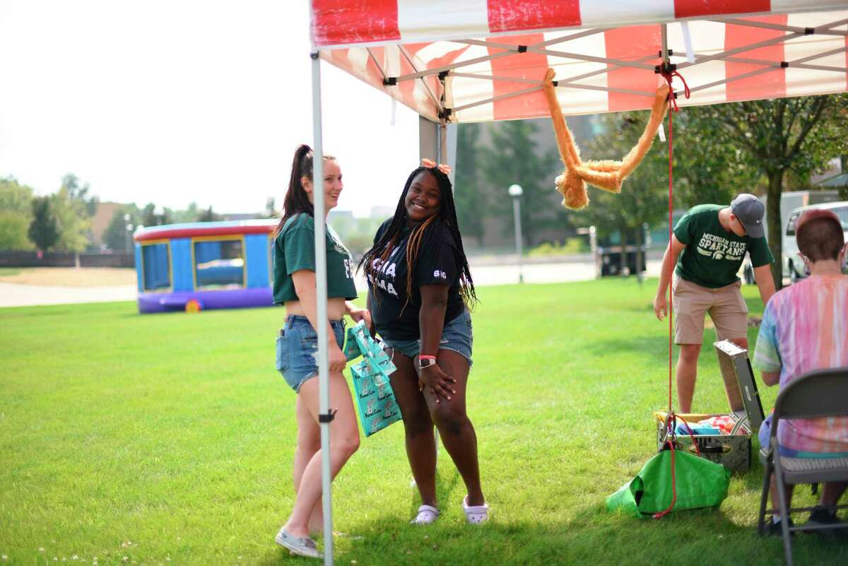 Ferris State University hosted its annual Backyard Bash event celebrating the start of the semester and invited students and staff to enjoy food and games outdoors atthe Dewaine V. and Jana B. Robinson Quad. (Courtesy/Ferris State University)