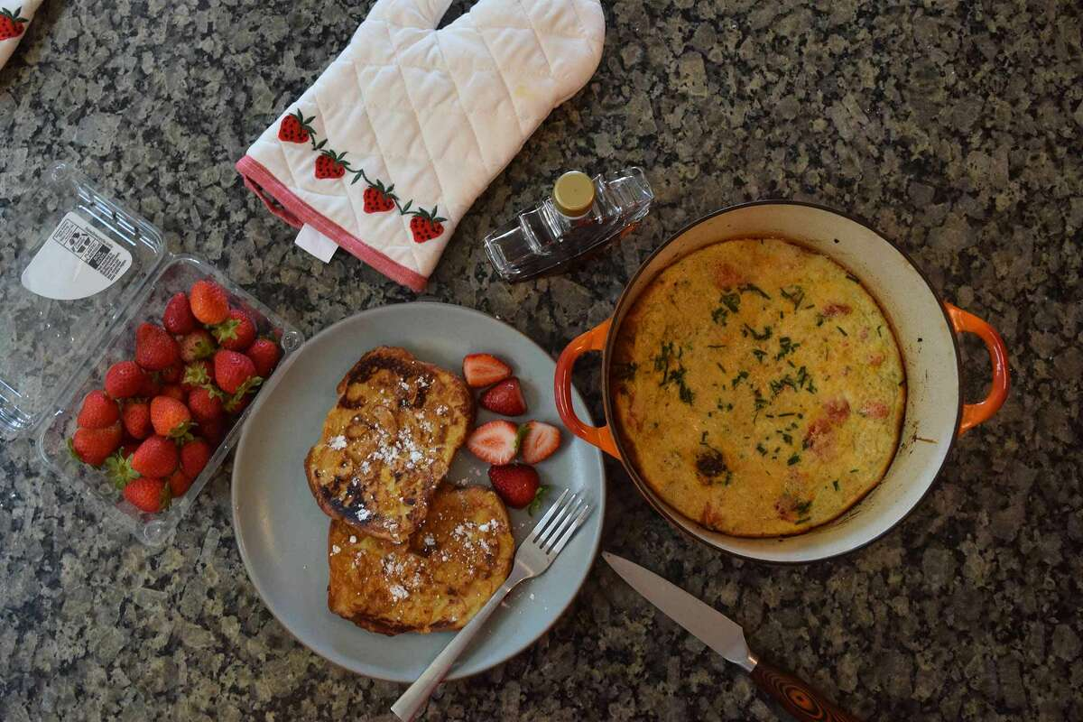 A Paris Hilton brunch, in full: frosted flakes French toast and a fluffy frittata.