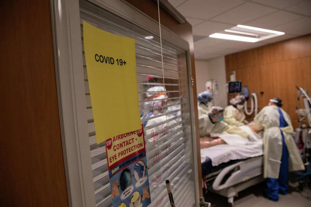 People between the ages of 20 and 59 now account for a higher proportion of COVID hospitalizations than in January, data shows.