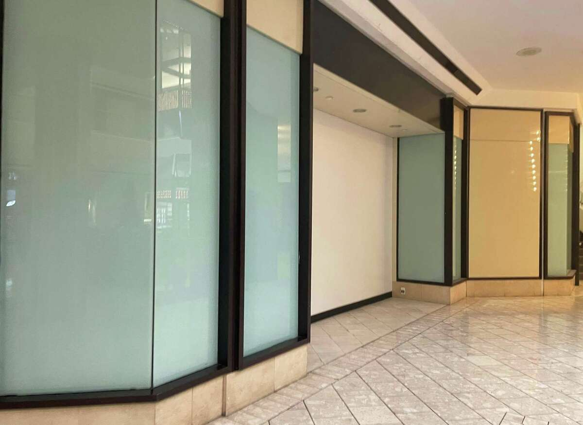 Home-furnishings retailer Fernish has closed its store on the fourth floor of Stamford Town Center mall in downtown Stamford, Conn.