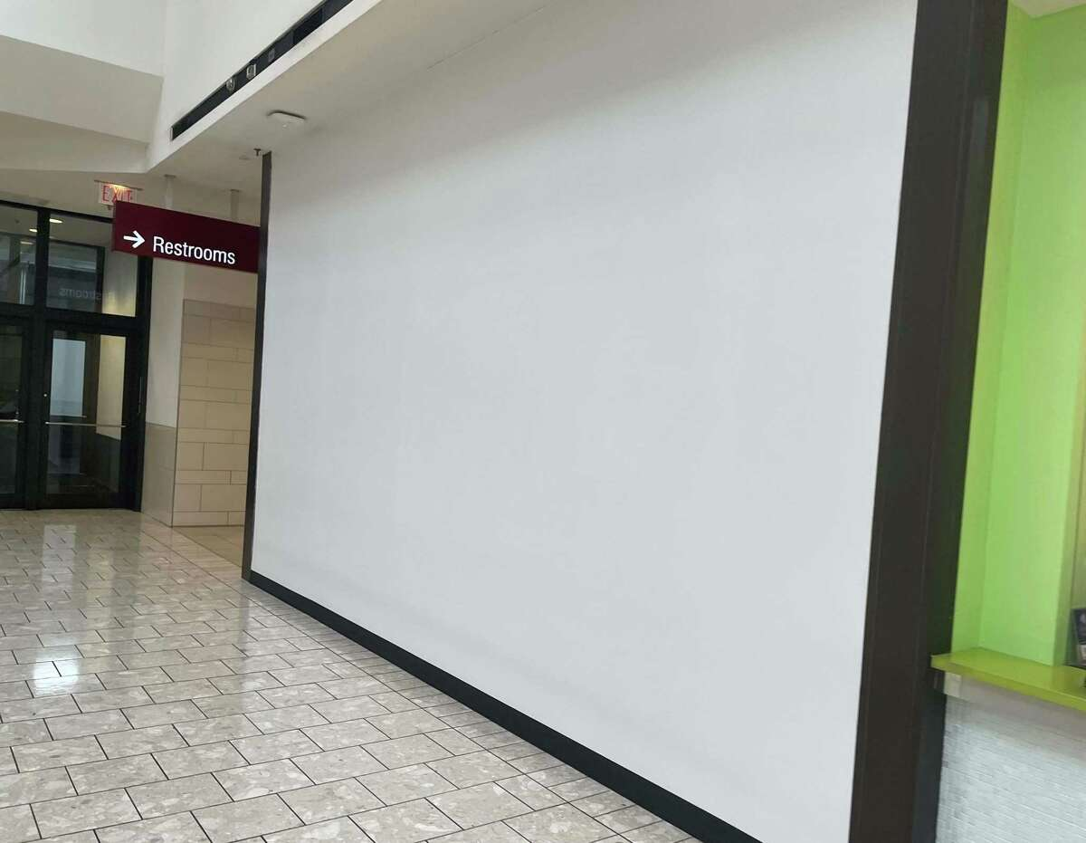 Great Wraps has closed its establishment on the seventh floor of Stamford Town Center mall in downtown Stamford, Conn.