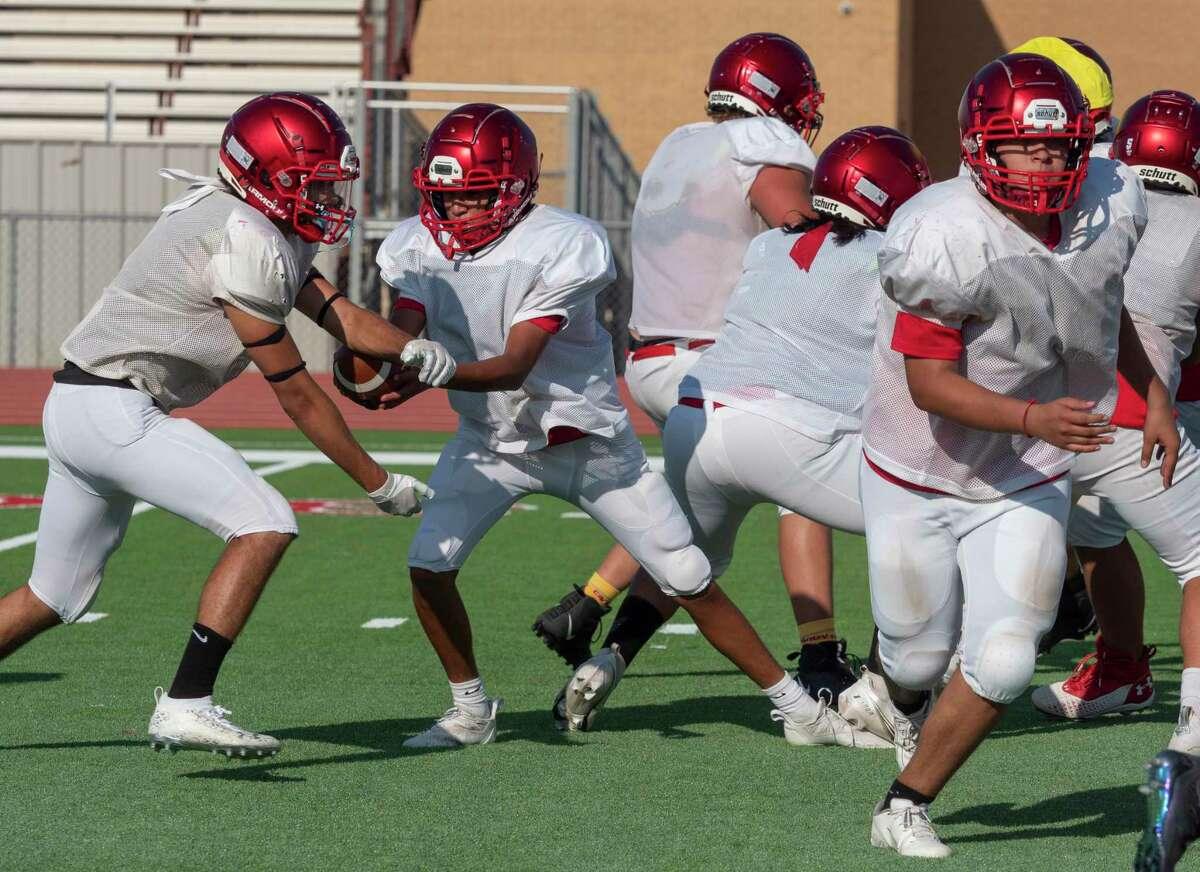 Stanton players run drills 08/10/2021 during practice at Stanton high School. Tim Fischer/Reporter-Telegram