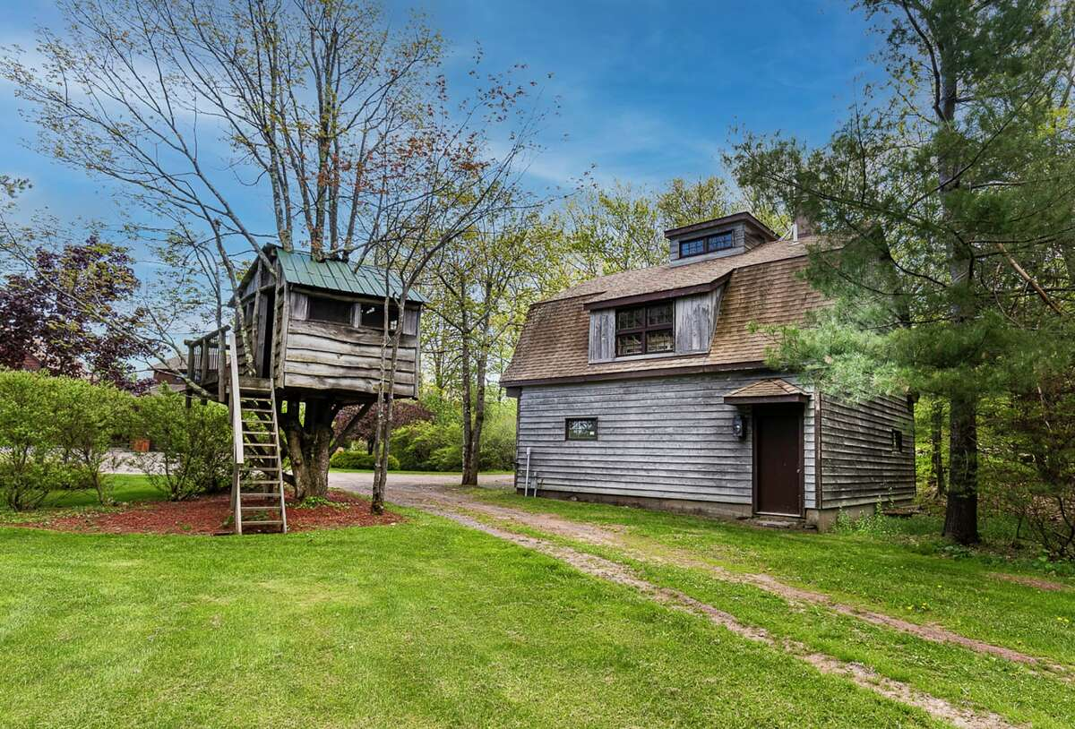 Other additional structures on the property include a performance studio, a pond side studio, and a meditation studio.