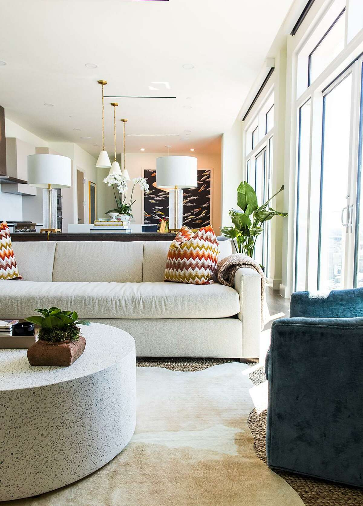 Because the couple who bought the two bedroom, 2 ½-bathroom unit in The Arts Residences before the building broke ground, they were able to make the kinds of changes that really made it theirs.