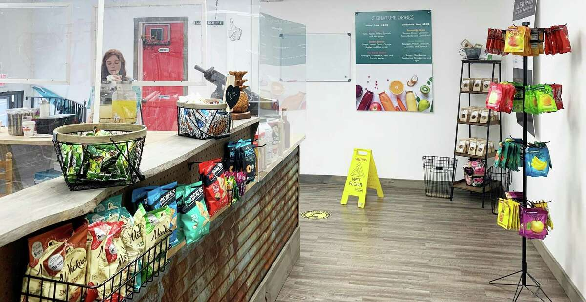 CleanHeart juice bar, at 80 Washington St. in Middletown, brings a new dining option to the downtown, with healthy snacks, teas, smoothies, smoothie bowls and cold-pressed juices.