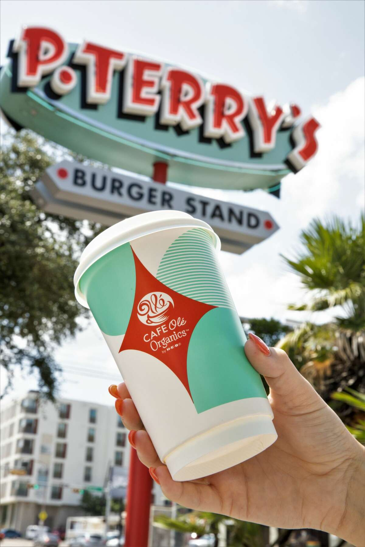 The family owned chain, based in Austin, is now serving Cafe Oléorganic coffee at all burger stands daily during breakfast hours. The partnership between the two Texas brands marks the first time H-E-B's Cafe Olécoffee is sold at retail.
