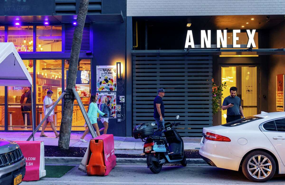 Miami's Wynwood Annex, home of venture capital firms Founders Fund and Atomic, tries to lure Silicon Valley tech companies.