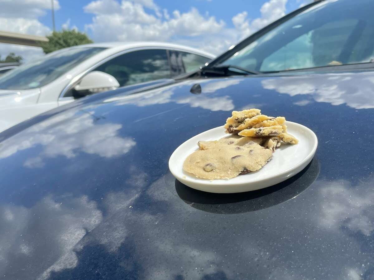 Can you bake cookies in the car?