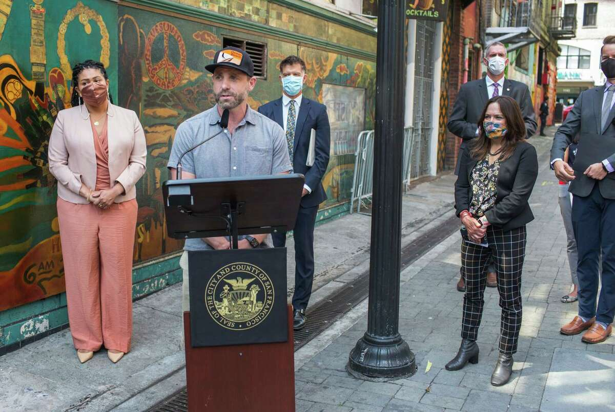 Ben Bleiman, founder of the SF Bar Owner Alliance, joins Mayor London Breed and health director Dr. Grant Colfax, to announce new vaccine regulations for some indoor activities.