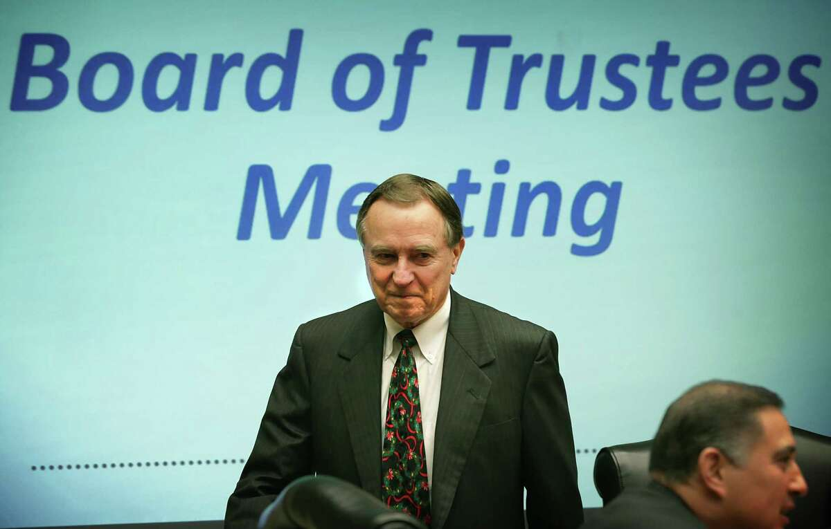 CPS Energy Trustee Ed Kelley prepares to lead a board meeting at the company's headquarter on Monday, Dec. 14, 2015.