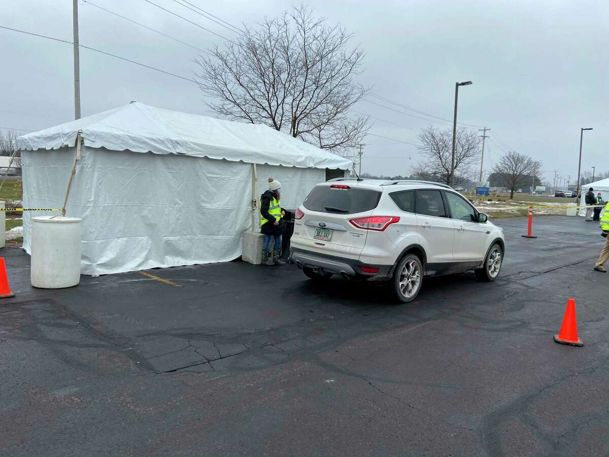 A drive-up vaccination clinic at Munson Healthcare Manistee Hospital. (File Photo)