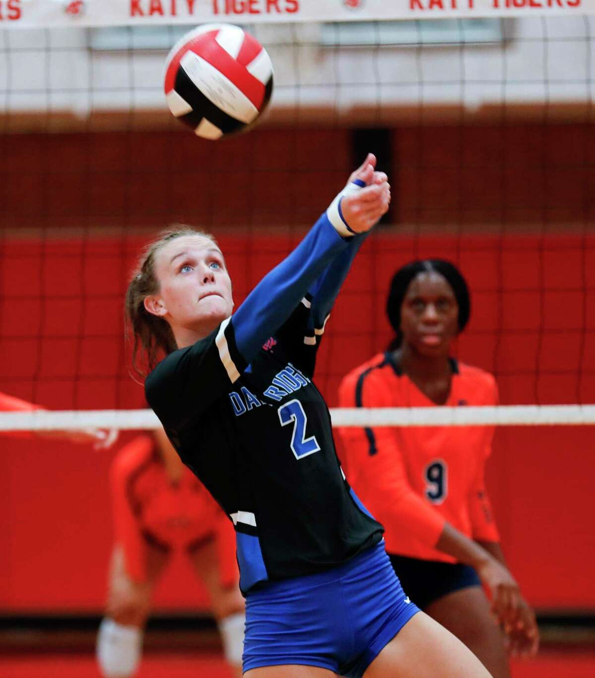 Oak Ridge's Avery Fowler (2) makes a pass during a match in the Katy/Cy-Fair Tournament at Katy High School, Friday, Aug. 13, 2021, in Katy.