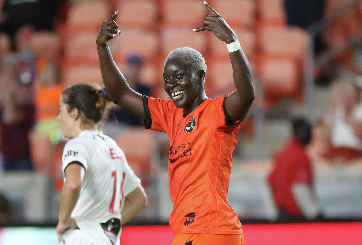Forward Michaela Abam debuted with her hometown team Friday night and made the most of the occasion, supplying an equalizer in the 83rd minute that helped the Dash salvage a draw after trailing 2-0.