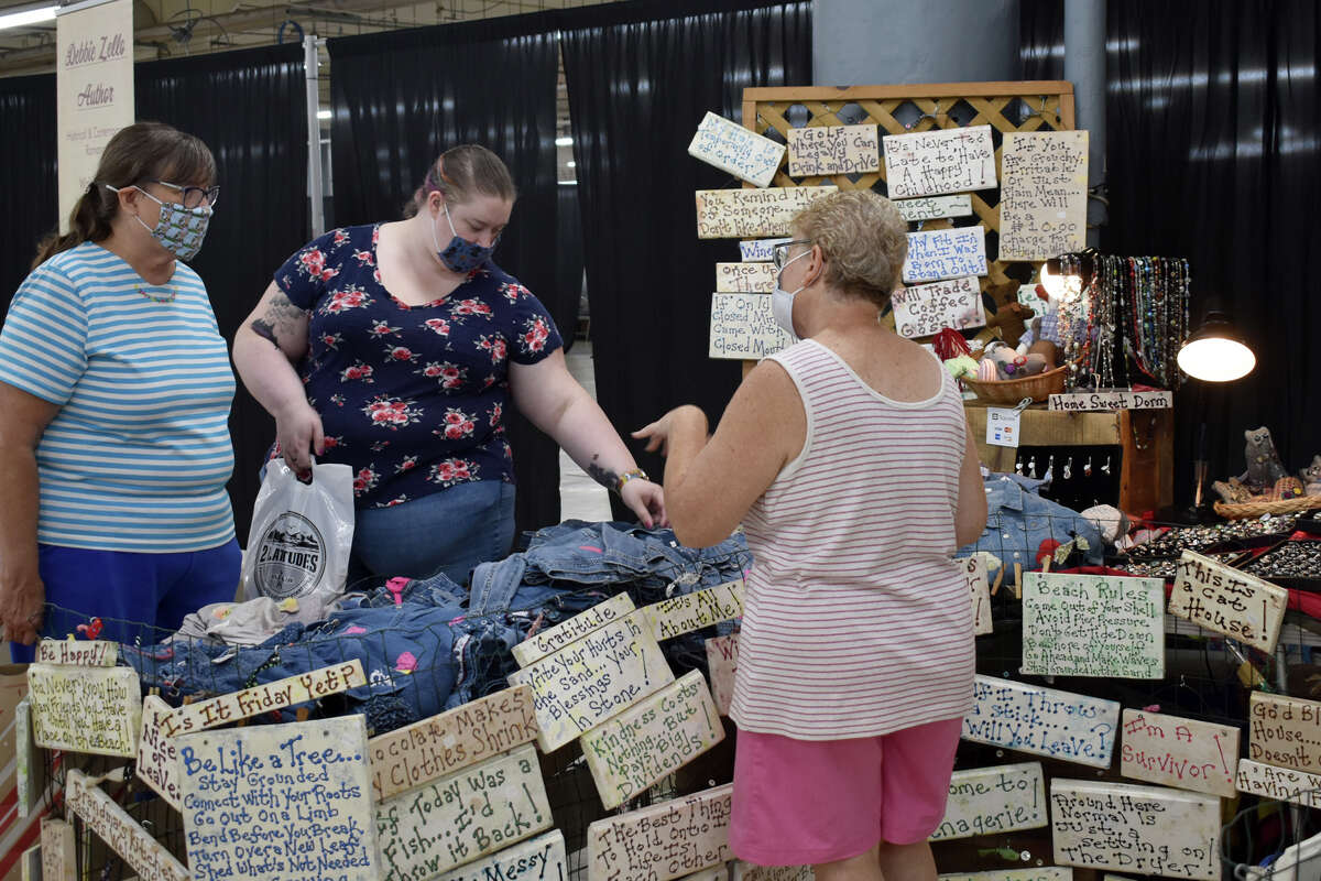 The sixth annual Made in Connecticut Expo took place on August 14 and 15, 2021 at 6 Rubber Avenue, Naugatuck, Conn. The annual event showcases over 300 local vendors ranging from food and drink companies, to fashion and designers and local food trucks. Were you SEEN?
