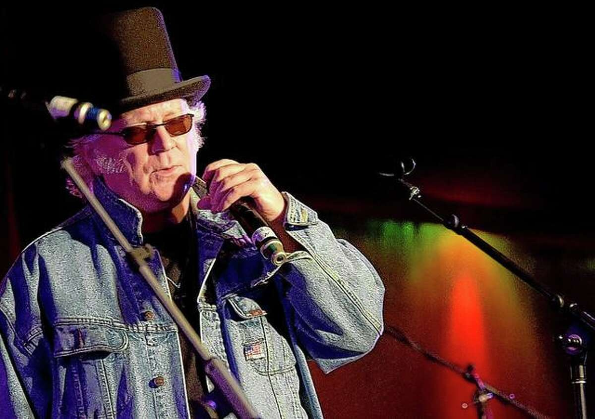 Singer T. Graham Brown performs in 2015 during at the All-Star Whitey Shafer Benefit in Nashville, Tennessee.