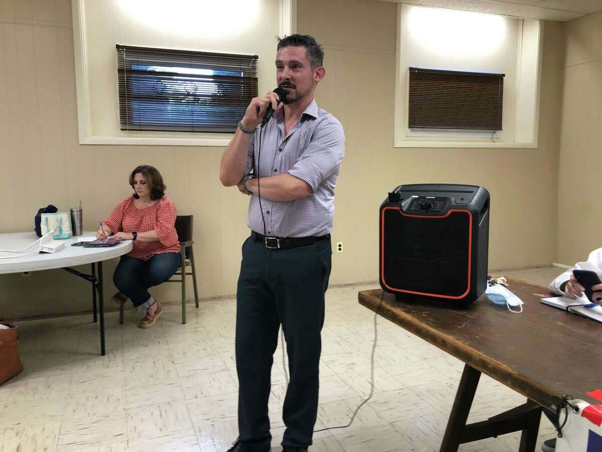 Stratford Democratic Town Committee Chairman Steve Taccogna speaks during an endorsement meeting at the Universalist Unitarian Church July 21, 2021.