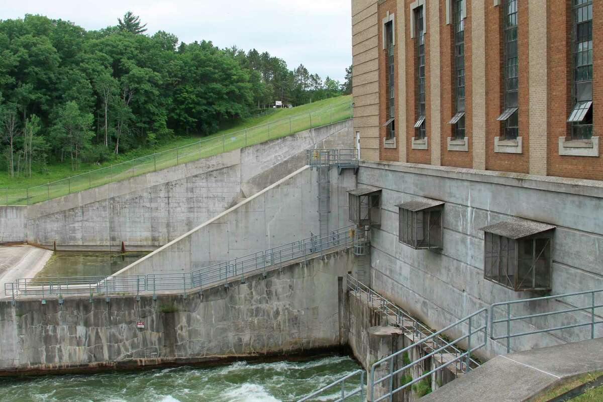 Consumers Energy said the emergency public warning sirens and speaker systems near its Tippy and Hodenpyl hydroelectric generating plants on the Manistee River will be tested this week. Pictured is Tippy Dam. (File photo)
