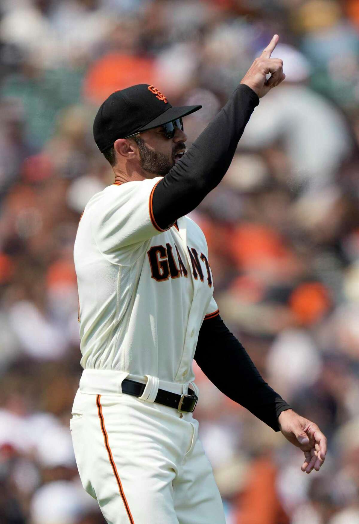 SAN FRANCISCO, CALIFORNIA - AUGUST 15: Manager Gabe Kapler #19 of the San Francisco Giants signals the bullpen to make a pitching change against the Colorado Rockies in the top of the seventh inning at Oracle Park on August 15, 2021 in San Francisco, California. (Photo by Thearon W. Henderson/Getty Images)