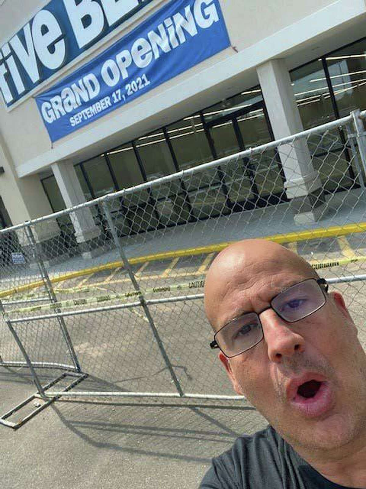 What happened to Vinnie Penn's favorite strip mall Italian restaurant? No it's slated to become a chain store.