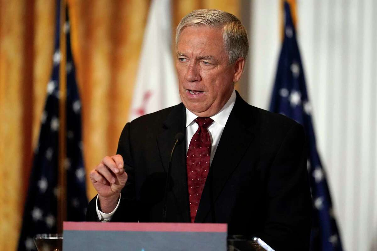 Republican candidate Doug Ose speaks during a debate at the Richard Nixon Presidential Library between gubernatorial recall candidates in Yorba Linda (Orange County) on Aug. 4. The former Republican congressman is ending his campaign for California governor after suffering a heart attack.