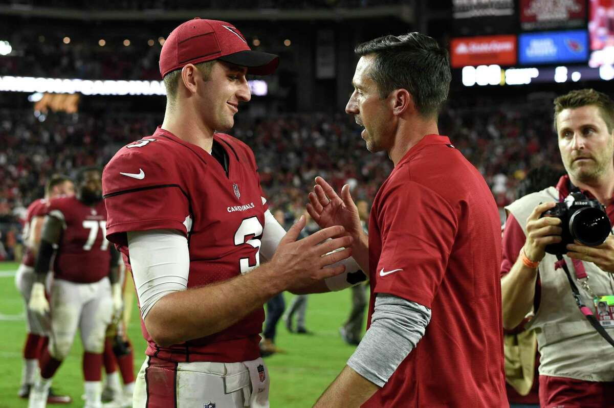 GLENDALE, AZ - OCTOBER 28: Arizona Cardinals quarterback Josh Rosen (3) shake hands with San Francisco 49ers head coach Kyle Shanahan after the game between the Arizona Cardinals and the San Francisco 49ers on October 28, 2018 at State Farm Stadium in Glendale, Arizona. (Photo by Robin Alam/Icon Sportswire via Getty Images)