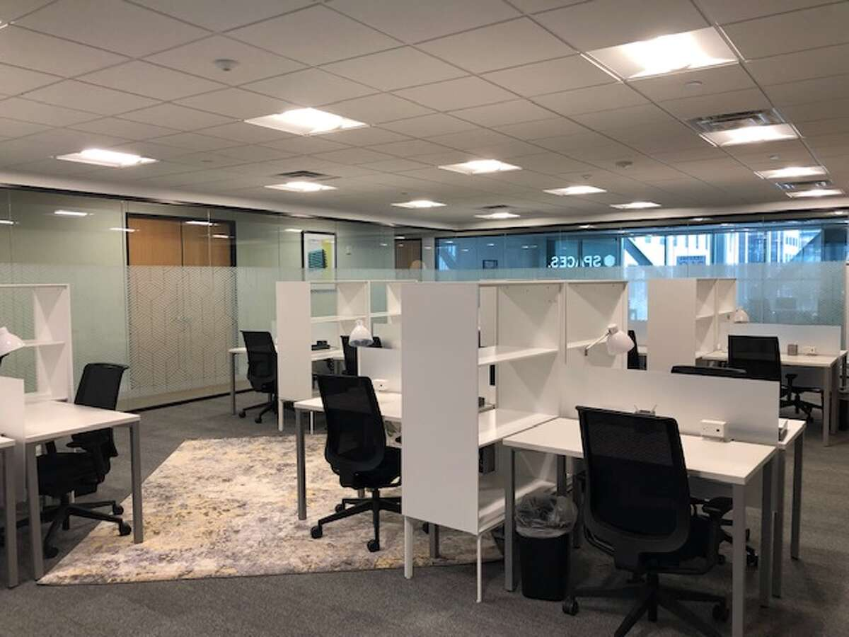 GreenStreet partnered with Spaces, a global flexible workspace company, to developcreative workspaces for professionals in downtown Houston. Reserved coworking spaces are among the options at 1201 Fannin.