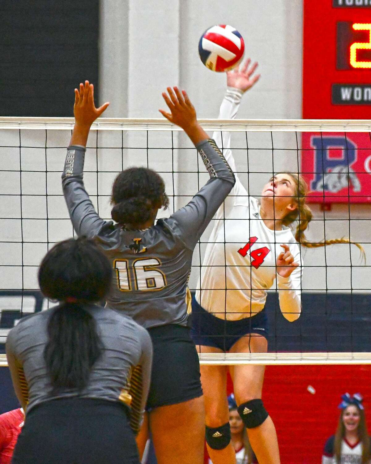 Saige Brunson had 17 kills over the two matches during Plainview's home triangular.