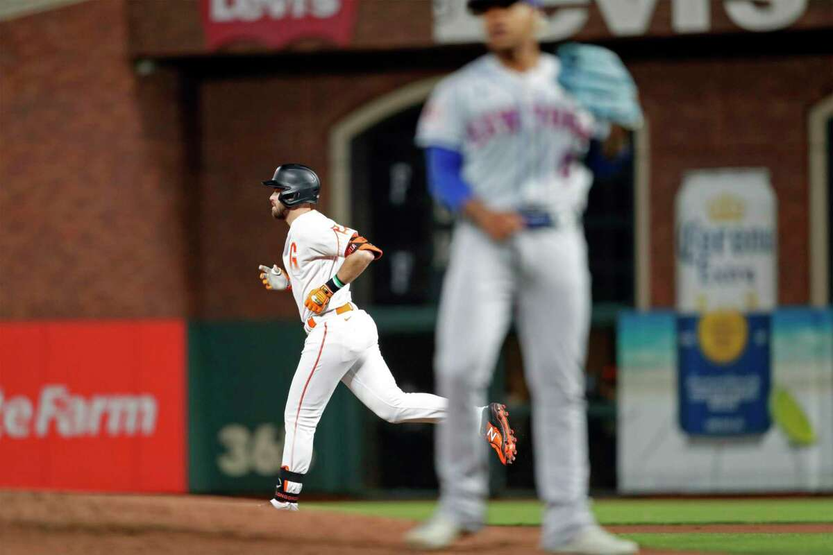 San Francisco Giants' Evan Longoria rounds the bases after his 7th inning solo home run against New York Mets' Marcus Stroman during MLB game at Oracle Park in San Francisco, Calif., on Tuesday, August 17, 2021.