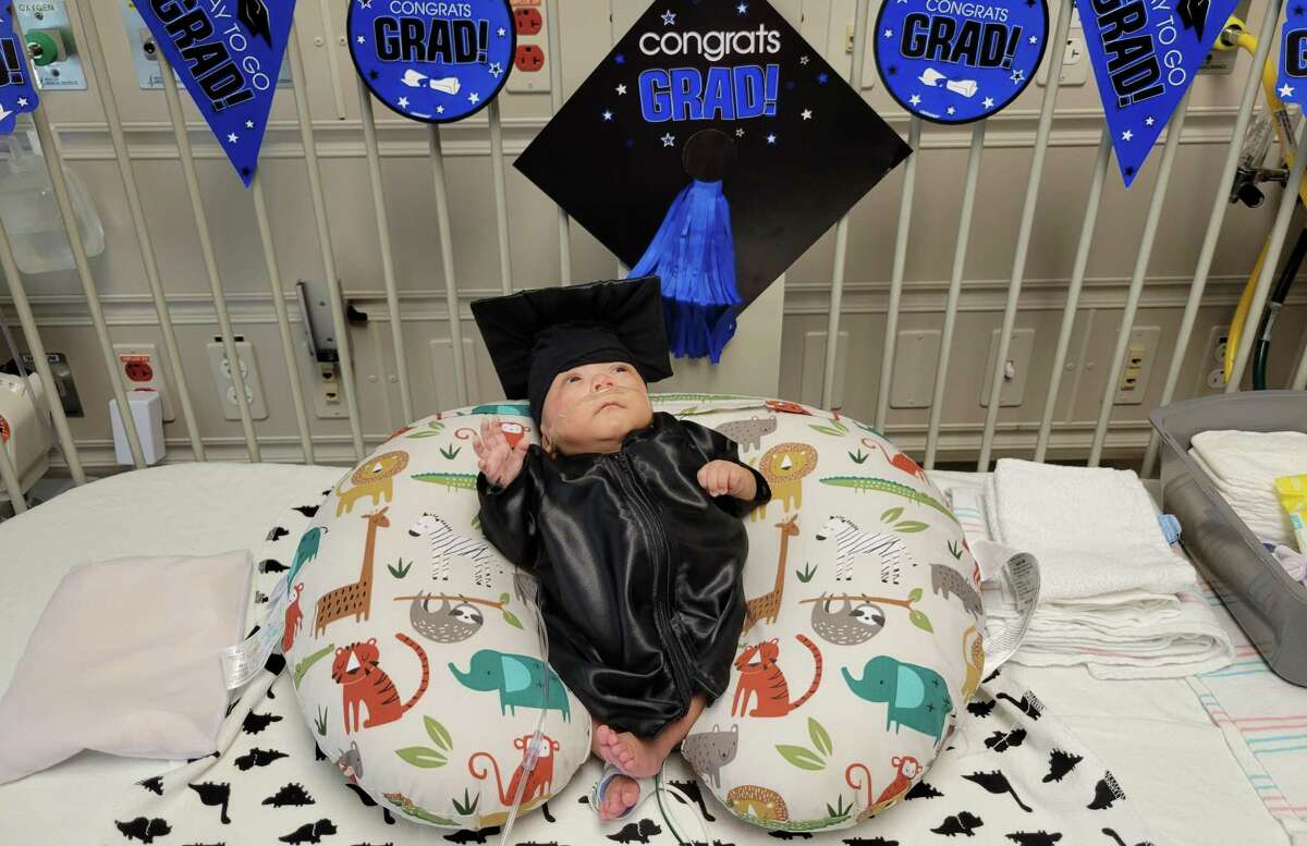 Samuel Gonzalez was born on March 25, 2021, weighing less than a pound. After more than 140 days in the NICU, Houston Methodist Willowbrook Hospital held a graduation ceremony for Samuel who is now ready to go home.