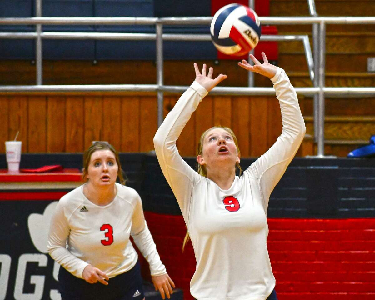 Haley Curtis leads Plainview in assists, aces and leadership during the Lady Bulldogs' hot start to the season.