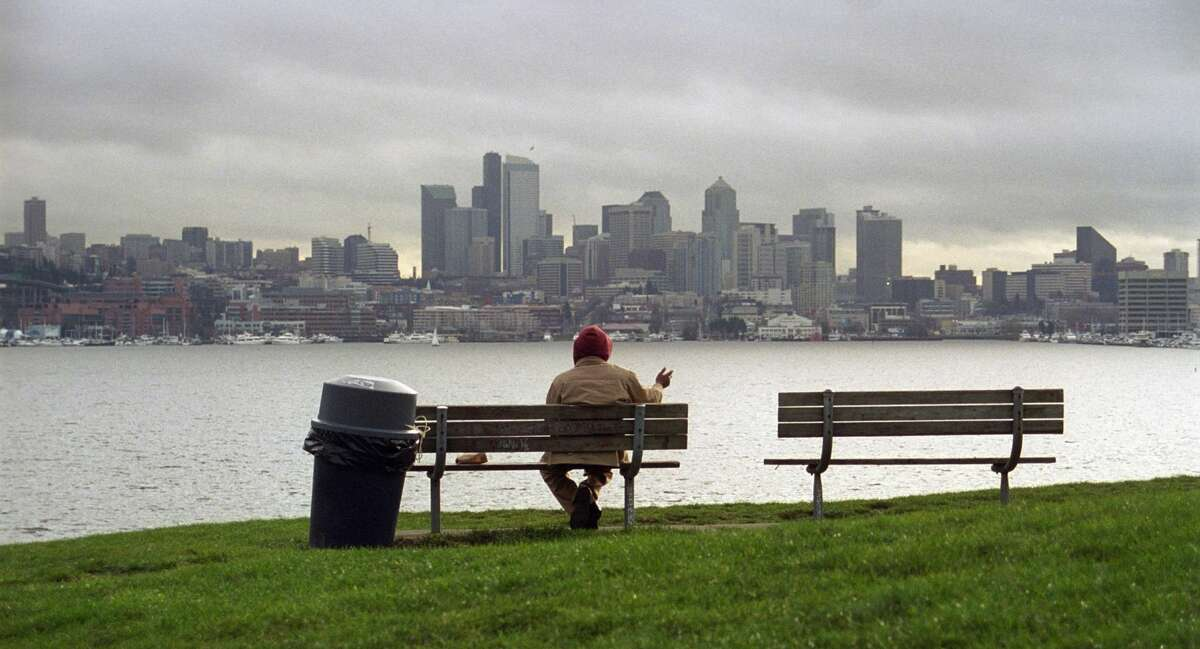 Cooler temperatures return to Seattle, but when will it rain?