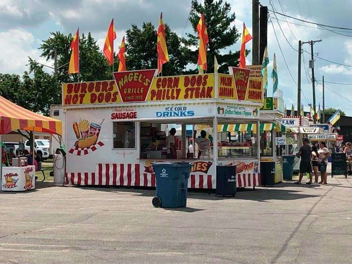 Nagel's Grille provides hot dogs, sausages and corn dogs at the Midland County Fair. (Victoria Ritter/vritter@mdn.net)