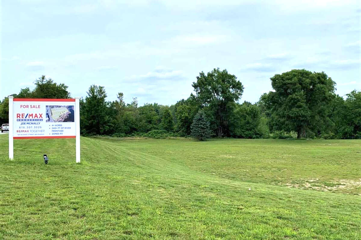 The prospect of having condos constructed at the site known as the former Hanchett property on North State Street has residents buzzing with excitement.