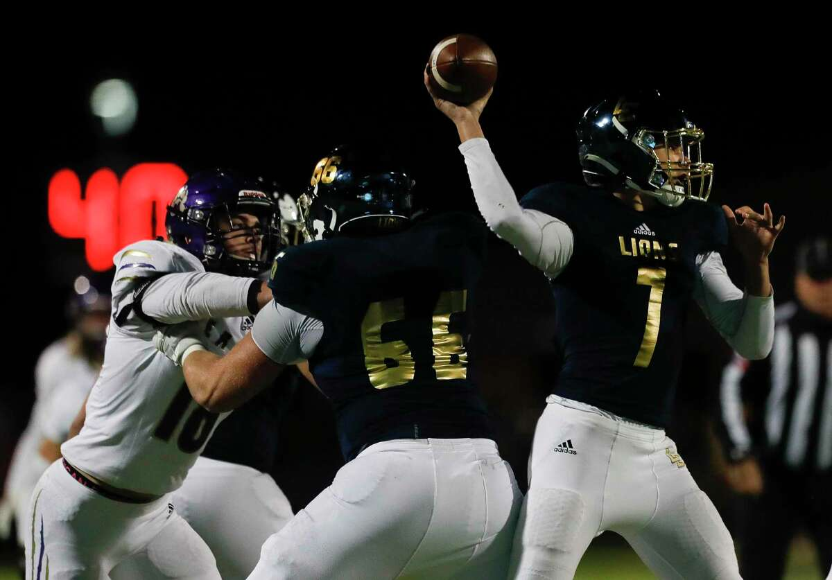 Lake Creek quarterback Cade Tessier (7) drops back to pass during the third quarter of a District 10-5A (Div. II) high school football game at MISD Stadium, Friday, Dec. 4, 2020, in Montgomery.