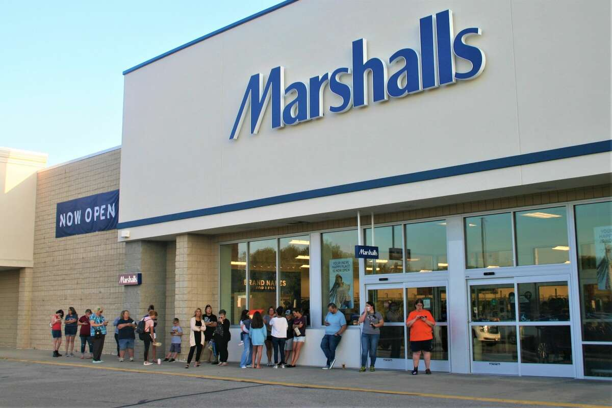 The new Marshalls store opened in Big Rapids at 1286 Perry Avenue on Thursday to a line of customers waiting outside. Big Rapids Mayor Tom Hogenson said the store is great for the community.It will add up to 60 new jobs.