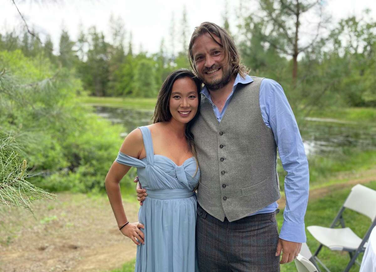 Ellen Chung, left, and her husband, Jonathan Gerrish. The couple, their 1-year-iold daughter and their dog were found dead on a Mariposa hiking trail.