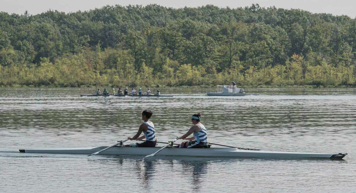 Para rowers Isaac French, left and Laura Goodkind commence their practice session on Saratoga Lake in 2017 in Saratoga Springs, N.Y.
