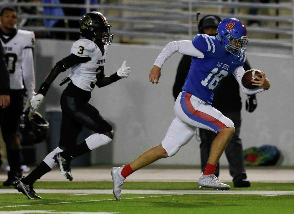 Oak Ridge outside linebacker Matthew Humplik (18) is a key leader back on defense for the War Eagles.