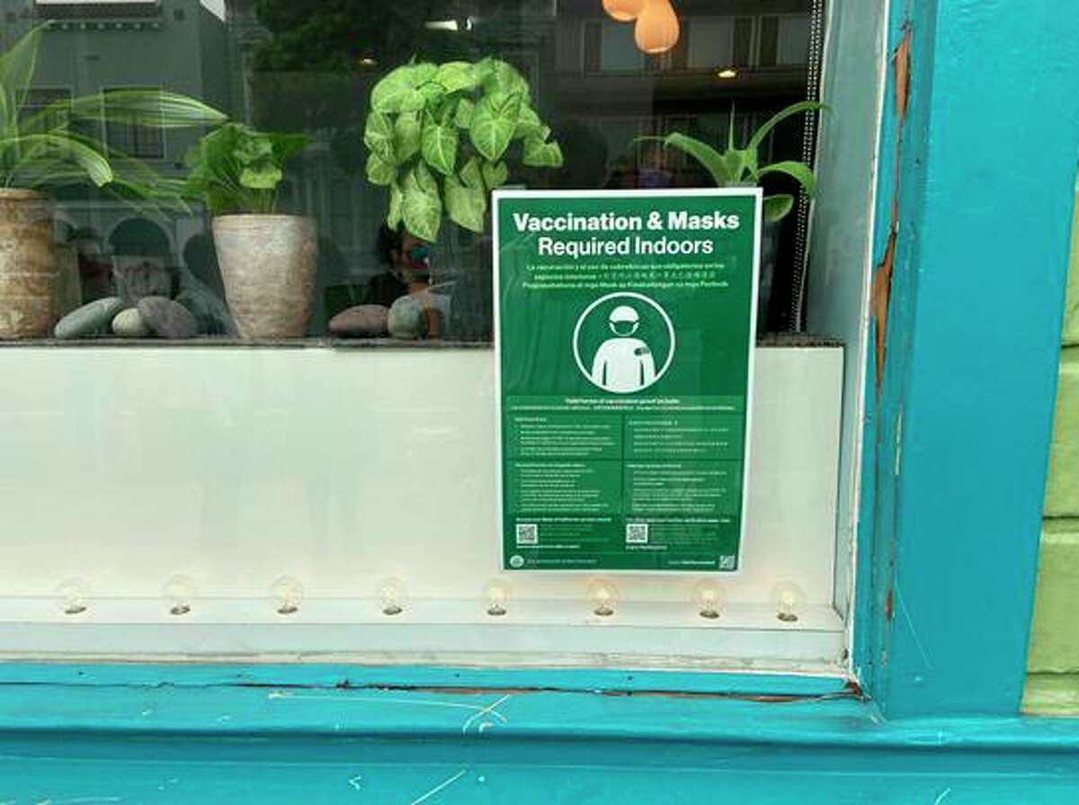 A San Francisco business with a posted vaccination requirement.