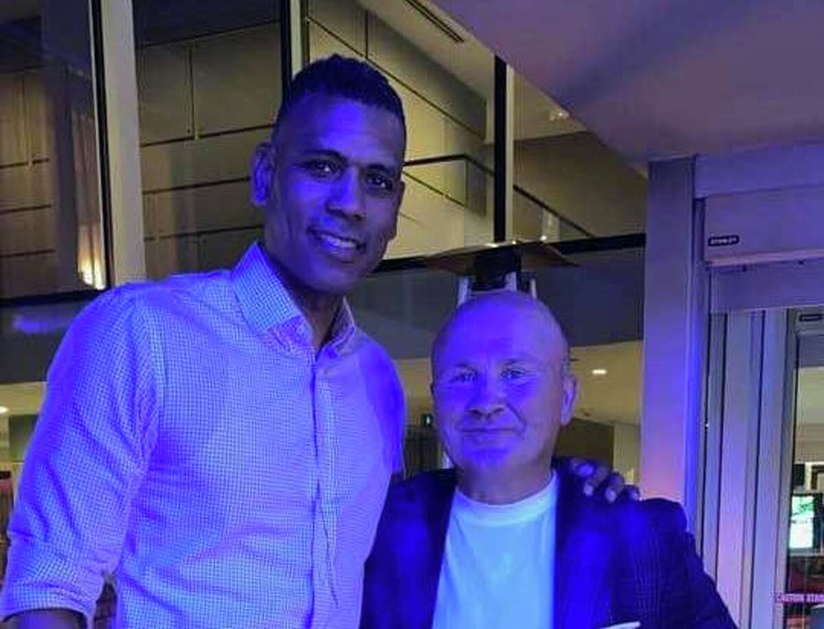 Former NY Knicks all-star Allan Houston, who lives in Greenwich, meets up with Tony Capasso at Tony's at the JHouse in Riverside in August 2021.