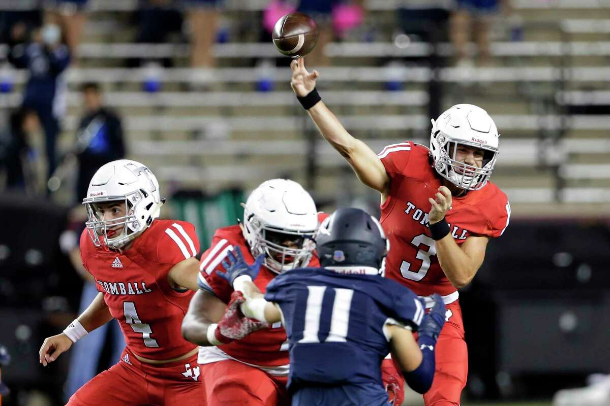 Tomball quarterback Cale Hellums (3) passes during the first half of a high school football game against Tomball Memorial at Kyle Field Friday, Oct. 16, 2020 in College Station, TX.