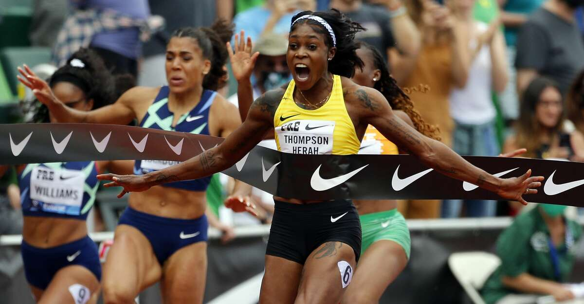 Elaine Thompson-Herah of Jamaica celebrates winning the 100m race during the Wanda Diamond League Prefontaine Classic at Hayward Field on August 21, 2021 in Eugene, Oregon. (Photo by Jonathan Ferrey/Getty Images)