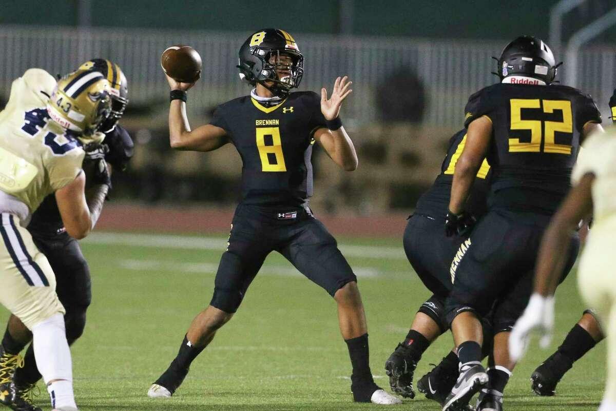 Bear quarterback Ashton Dubose picks a receiver as Brennan plays O'Connor in high school football at Gustafson Stadiumon Nov. 6, 2020.